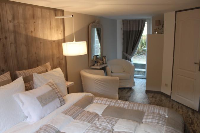 le manoir chambres d 39 h tes. Black Bedroom Furniture Sets. Home Design Ideas