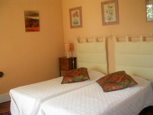 Couleur chambre abricot - Peinture couleur peche ...