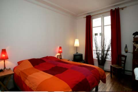 A room in Paris - Photo 1